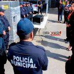 Presidenta del DIF Municipal realiza donación a cuartel de policías