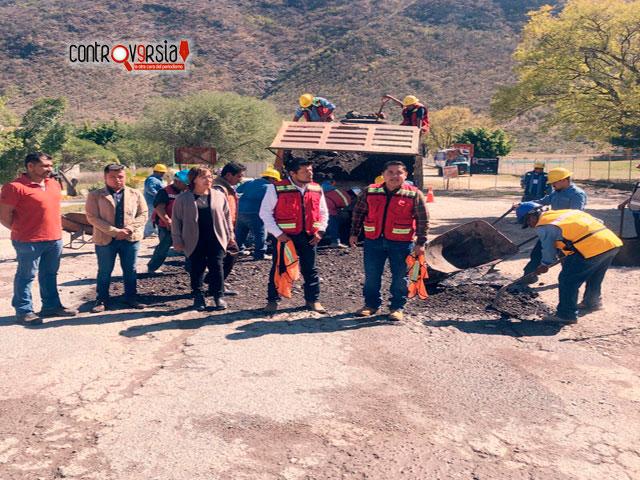 Estado y Municipios suman esfuerzos para atender caminos