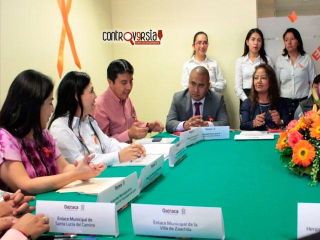 Firman acuerdos para beneficiar a las mujeres migrantes
