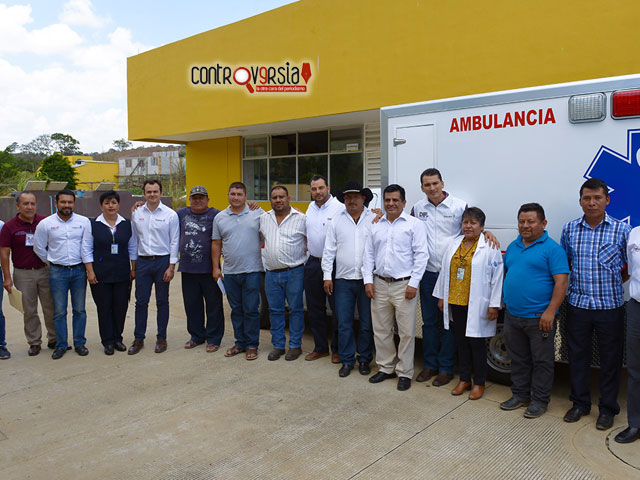 Cumple SSO y entrega ambulancia a San Jacinto Tlacotepec