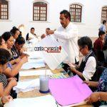 Ofrece Ayuntamiento  curso de lámparas de papel de china para estimular la creatividad